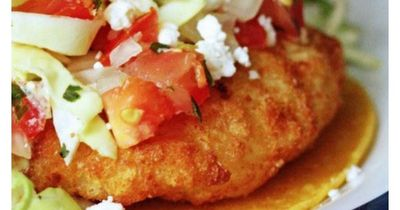 These Easy Fish Tacos are so yummy! A great weeknight meal to make when you don't have a whole lot of time to prepare dinner.