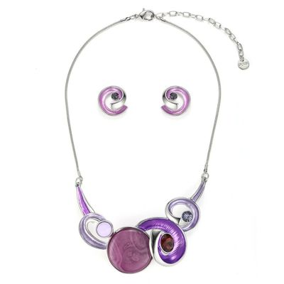 Get this swirls necklace set in purple cololur form your office event from Yoko's Fashion, the leading wholesaler of fashion necklace set in Manchester. This necklace comes with a pair of matching earrings.