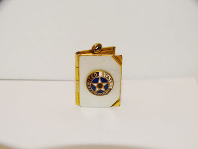 Vintage Gold Tone Two Picture Locket Pendant/Charm. $57.95