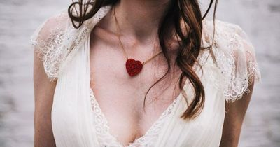 Love this simple heart necklace.