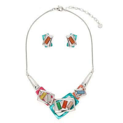 Buy this an amazing beautiful multicolored frame necklace set from Yoko's Fashion, the leading jewellery wholesaler of Manchester. This necklace comes with a pair of matching earrings. It comes with a gift box.
