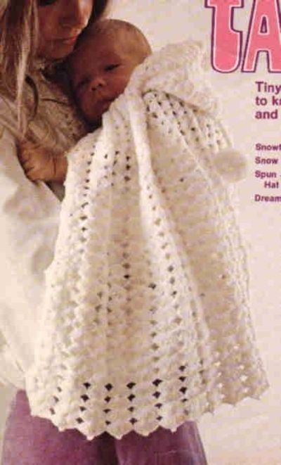 hooded cape for baby free-crochet-patterns / knits and kits - Juxtapost