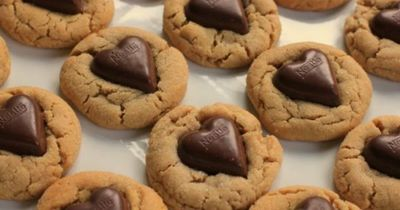 """Valentine's Day Recipe �€"""" Chocolate Heart Peanut Butter Cookies"""