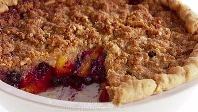 Giada at Home: Peach-Blueberry Crumb Pie Recipe - Video Dailymotion