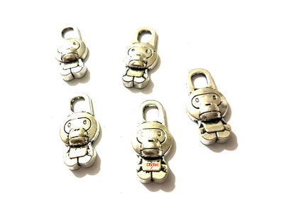 Pack of 8 Silver Coloured Monkey Charms. 14mm x 29mm Antique Look Animal Nature Theme Pendants £5.39