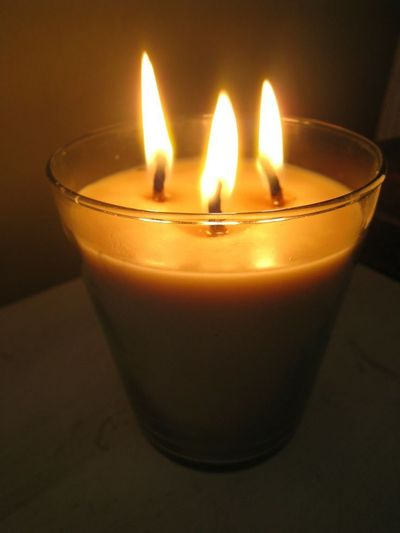A tutorial: Hand-dipped beeswax candles