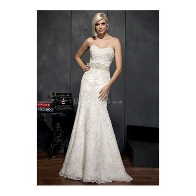 Elegant fit n flare lace floor length sweetheart wedding for Fit n flare lace wedding dress