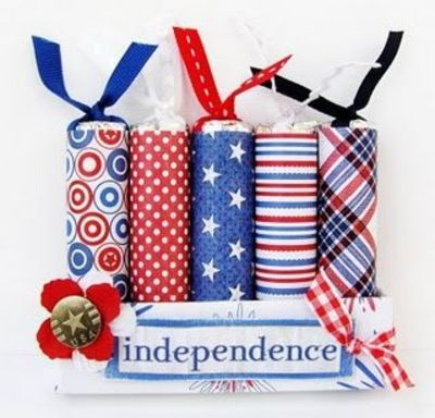 Pretty independence day party favors, made from candy rolls