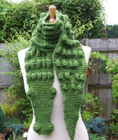 Knitting Pattern Alligator Scarf : Hand Knitt Unisex Alligator/Gator/Crocodile Scarf / crochet ideas and tips - ...