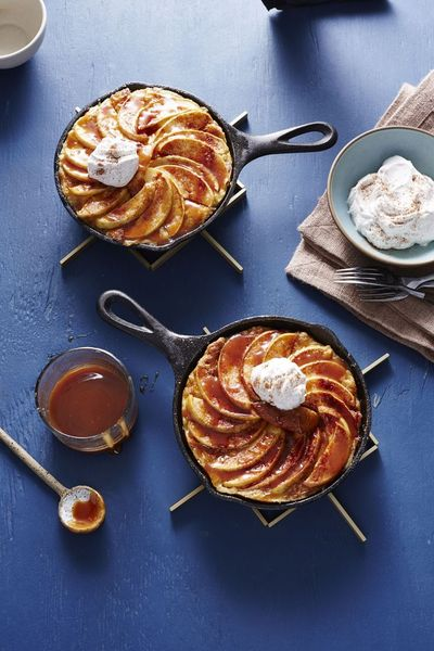Say hello to apple season with the perfect breakfast or brunch option served up in miniature skillets! The warm and creamy brioche custard paired with baked app