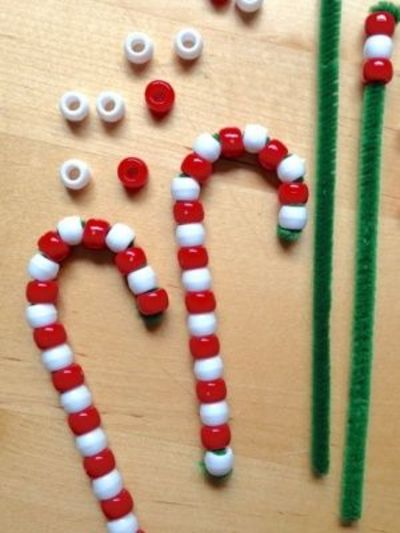Here are some fun crafts to keep your kids busy over the holidays.