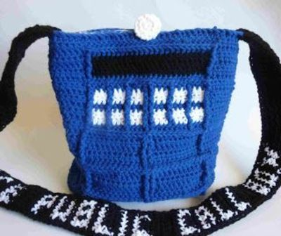 Tardis Bag Knitting Pattern : Crochet Dynamite: Tardis bag with liner instructions. i migh... / crochet ide...