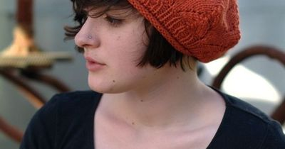 Meret Beret Knitting Pattern : Meret - free lace beret knitting pattern / knits and kits - Juxtapost