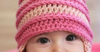 Crochet Edith Inspired hat - FREE pattern from Repeat Crafter Me.