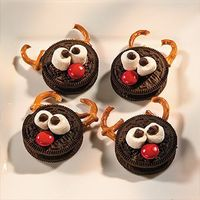 reindeer cookies, mini chocolate chips and mini marshmallows.