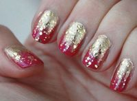 OnSugar blogger Lesleykat always has the cutest nail art ideas, like this one, inspired by Indian textiles. To achieve this fade-to-gold manicure, Lesleykat