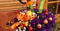 Love this for a centerpiece for our Big Halloween Party!