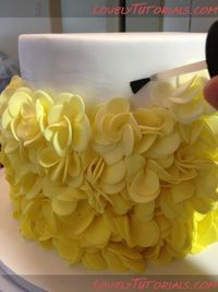 How to ruffle petal cake