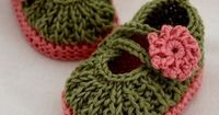 INSTANT DOWNLOAD - Knitting Pattern (PDF file) - Daisy Baby Booties (0-6/6-12 months)