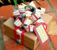 paper bows, bow tutorial and gift wrapping.