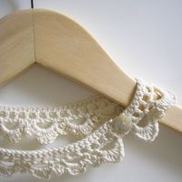 Learn how to make a yarn necklace with this free crochet pattern designed by Carol Meldrum