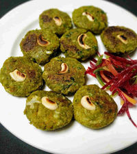 Hara bhara kabab is a healthy and nutritious vegetable kabab made with mix vegetable, green peas and spinach puree. #harabharakabab