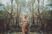 Earthy maternity session