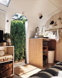 Living an in alternative home might not be for everyone, but for Natasha Lawyer and Brett Bashaw, renovating and living in a 1972 31-foot Airstream Sovereign ha