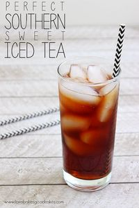 Cool off this Summer with a nice, big glass of this Perfect Southern Sweet Iced Tea!! There's a simple trick to keep it from being bitter!