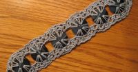 CROCHET BLUES BUTTON BRACELET LOOKS GREAT WITH JEANS!