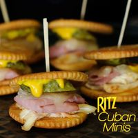 Super Simple. Super Fast. Super Flavorful. Great Super Bowl bite size snack. Ritz Cuban Minis #Ritz #superbowl #appetizer
