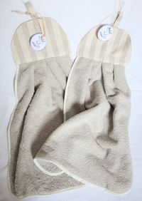 Guest hand towel, bathroom or kitchen towel in sponge �'�16.00