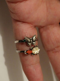 Navajo Sterling Silver Unsigned RARE Beautiful Coral And Mother Of Pearl Turtle Ring. $69.00