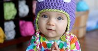 Use this free monster hat crochet pattern to make an adorable hat for your toddler this fall. Free crochet pattern from Daisy Cottage Designs.