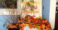 Need some great ideas for decorating this fall? Check out these 25 Outdoor Fall Decor Ideas.