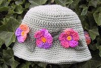 Suzies Stuff: MAY FLOWERS HAT....Lots & Lots of Free Hat Patterns!!