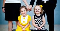 Wow, this family's portrait outfits are spot-on! Love the yellow, black and white!