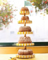 Get inspired by 50 great wedding cakes (and cupcakes, too) that will wow your guests.