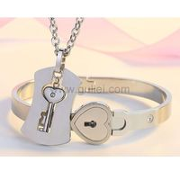 Gullei.com Personalized Lock and Key Jewelry Gift for Girlfriend Boyfriend