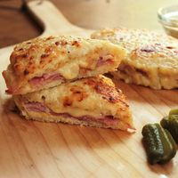 Transport yourself to a classic French bistro with just one bite! Today we're highlighting a delicious croque monsieur recipe from Food Nasty. With just a few i