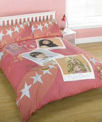 high school musical `rom`Double Duvet Cover Set The Disney High School Musical Prom Double Duvet Cover Set complete with High School Musical pillow cases, is great for your little super star to snuggle under at bedtime, goes perfectly with the High http:/...