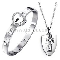 Gullei.com Lock and Key Custom Name Couples Jewelry Anniversary Gift