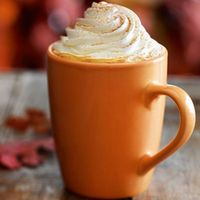Starbucks' Pumpkin Spice Latte Is Coming Back Early, Let Us Rejoice Starbucks pumpkin spice latte