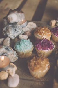 Geode cupcakes using rock candy
