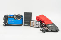 FujiFilm FinePix XP200 16MP & 5X Optical Zoom Underwater Camera w/spare batteries and Vivitar Red Floating strap. Like NEW! Free Shipping. $195.00