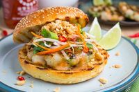 Succulent shrimp burgers with all of the flavours of pad Thai!