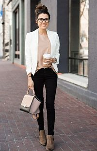 Creating a work wardrobe that goes nicely with the seasons can be a little challenging and intimidating because work wardrobes are often defined by certain limi