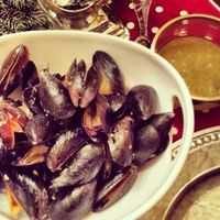 Steamed Mussels with Lemon and Garlic Recipe