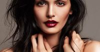 the highlighting, contouring and bold red lipstick perfection makes me wish I had the energy to do this in the morning :)