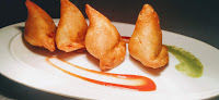 Make these crispy samosa and enjoy with a cup hot tea. Samosa a traditional Indian snacks made by stuffing spiced potato into a samosa pastry.